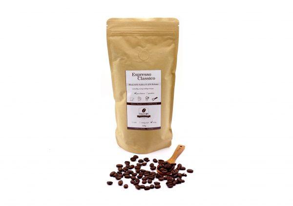 Kaffee Espresso Classico ganz